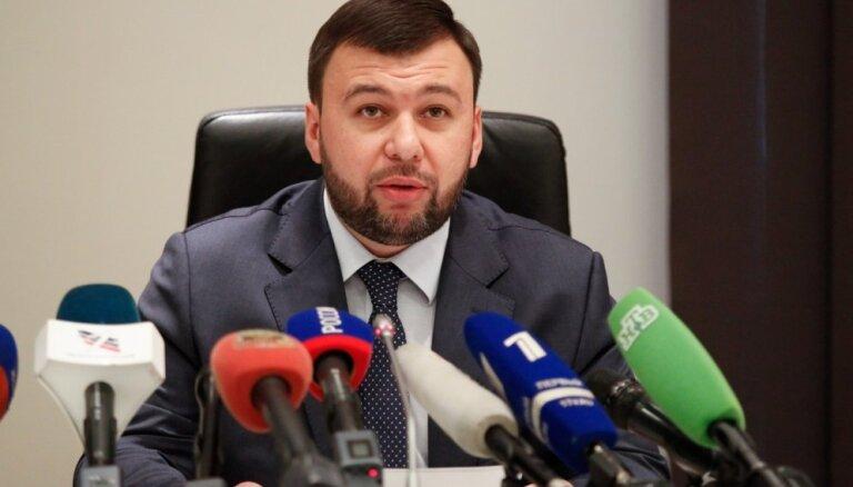 Krievijas balstīto kaujinieku vadonis Austrumukrainā sola tuvināšanos ar Krieviju