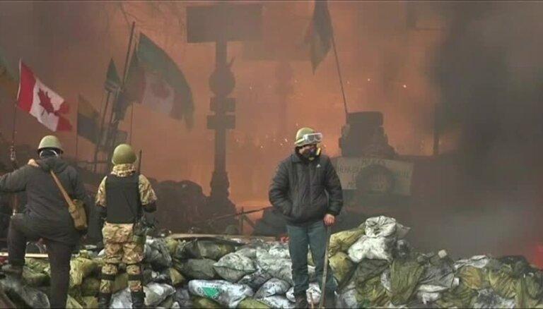 Video: Ugunis, lodes un nāve – gads kopš asiņainā slaktiņa Maidanā