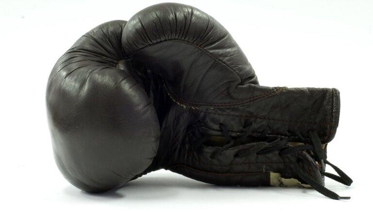 Par hašiša kontrabandu bokserim piespriesti piecarpus gadi aiz restēm