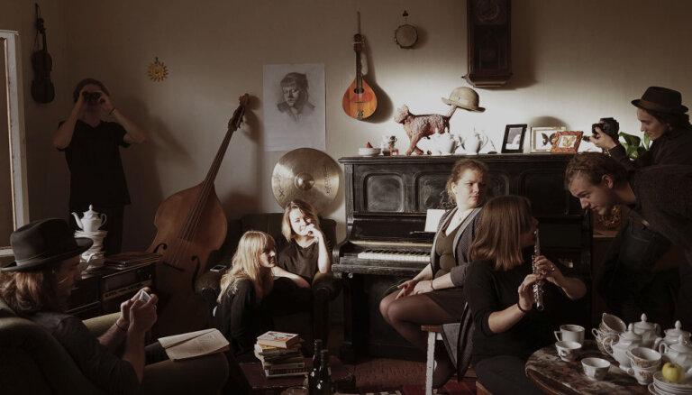 Noklausies! Grupa 'The Coconuts' izdevusi singlu 'Thursday Morning'
