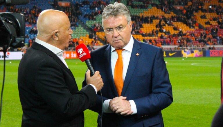 После победы над Латвией Хиддинк покинул сборную Голландии