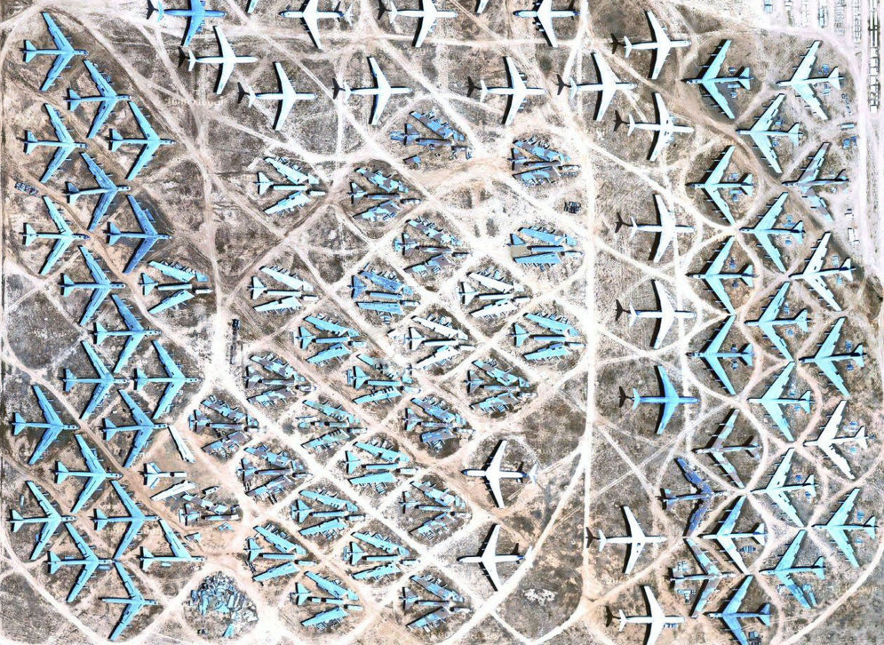 Эти свое отлетали: прекрасные фотографии места, в которое прилетают умирать самолеты