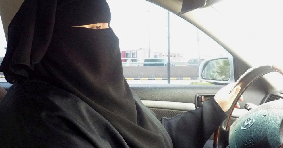 В Саудовской Аравии женщины сели за руль