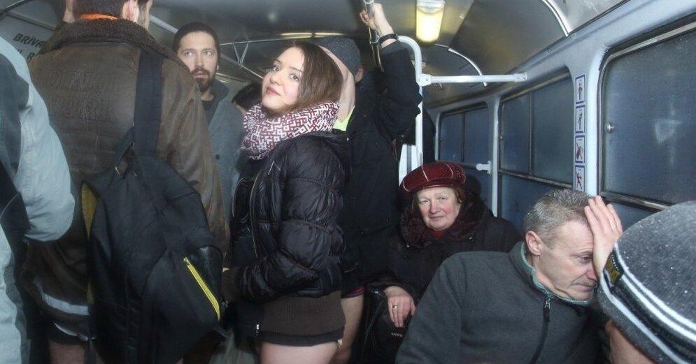 Порно фото онлайн порно секс в трамвае сцены