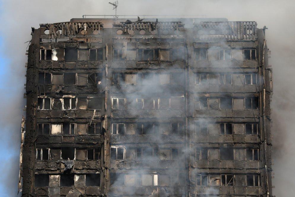 Пожар высотки в Лондоне: восемь душераздирающих свидетельств очевидцев