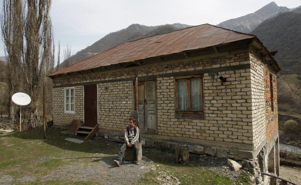 Vientuļā skola Gruzijas kalnos, kurā mācās vienīgais un pēdējais skolēns