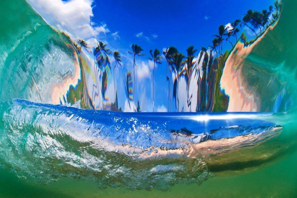 Картинка с описанием удивительной красоте воды