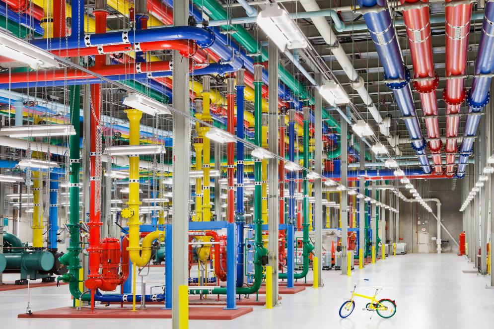 Там, где живут Android, YouTube, Gmail: экскурсия по гигантским дата-центрам Google