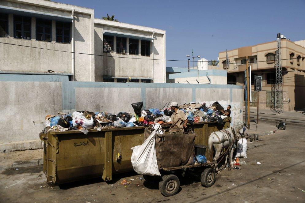 Dzīvnieki Gazas joslā spiesti ēst pat plastmasu