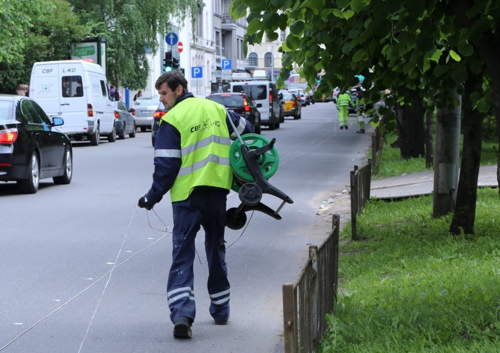 В Риге начали разметку первой велополосы