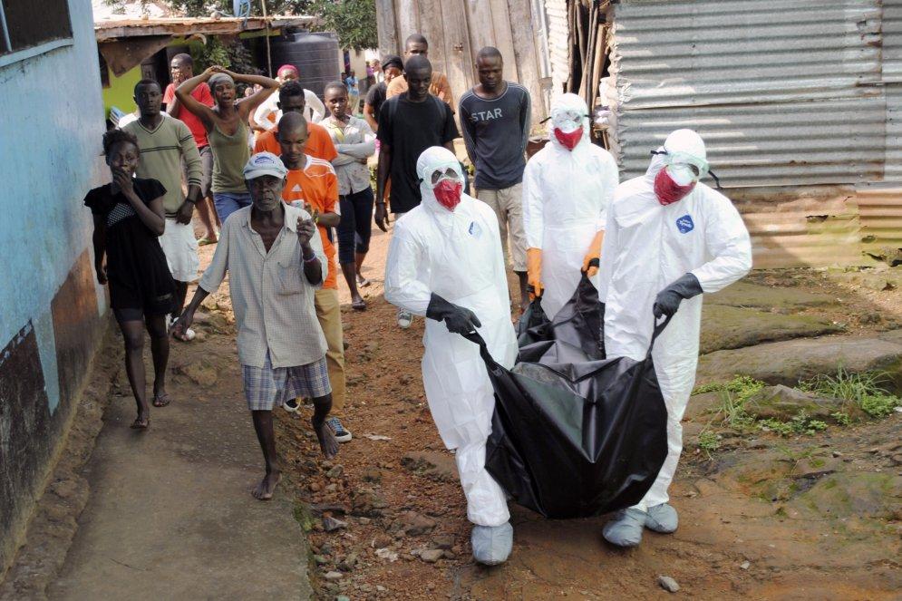 Фотографии 2014 года: вирус Эбола — или он, или мы