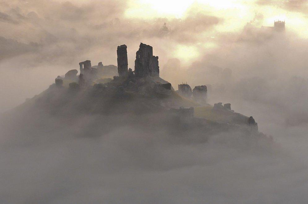 Sagrautas pilis un pamestas ēkas – Lielbritānijas spožums un posts