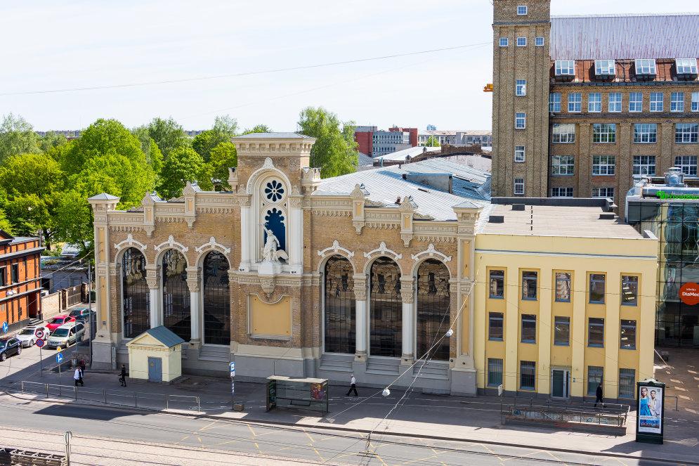 Фасад здания ВЭФ после масштабной реставрации выглядит... божественно!